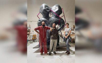Двоглави идол са Гомолаве на улазу у Павиљон Србија (EXPO 2020 DUBAI)